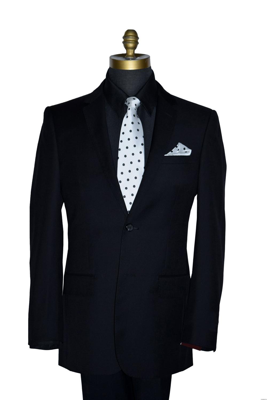 polka dot men's tie with matching polka dot pocket hanky